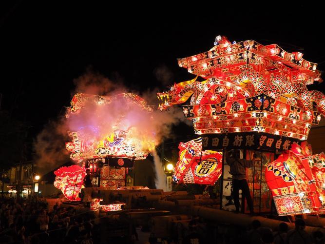 沼田夜高行燈祭