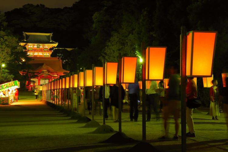 鶴岡八幡宮紙燈籠祭