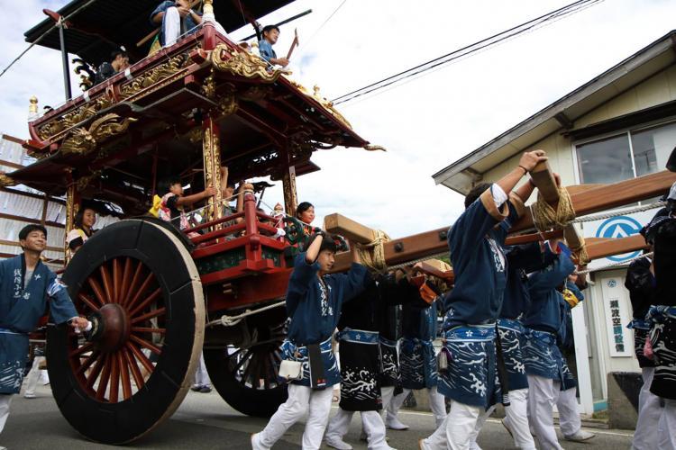 瀬波大祭(瀬奈彌神社)