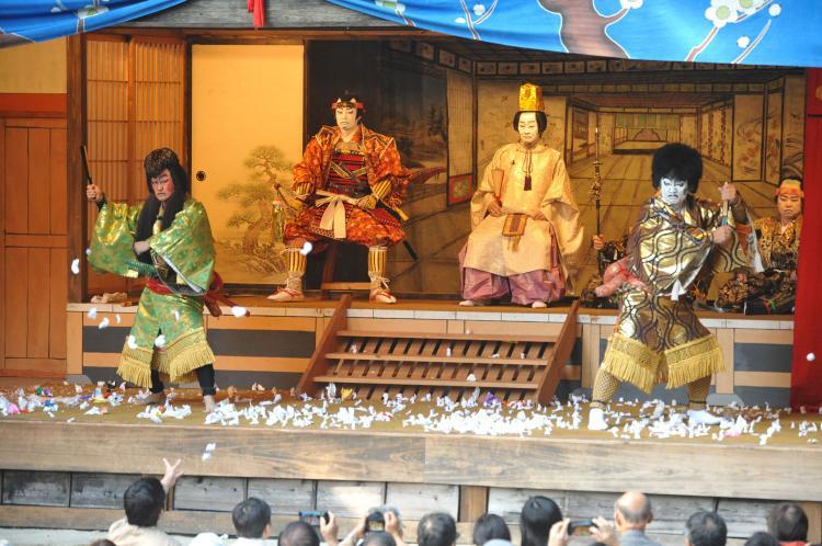 大鹿歌舞伎(大磧神社)
