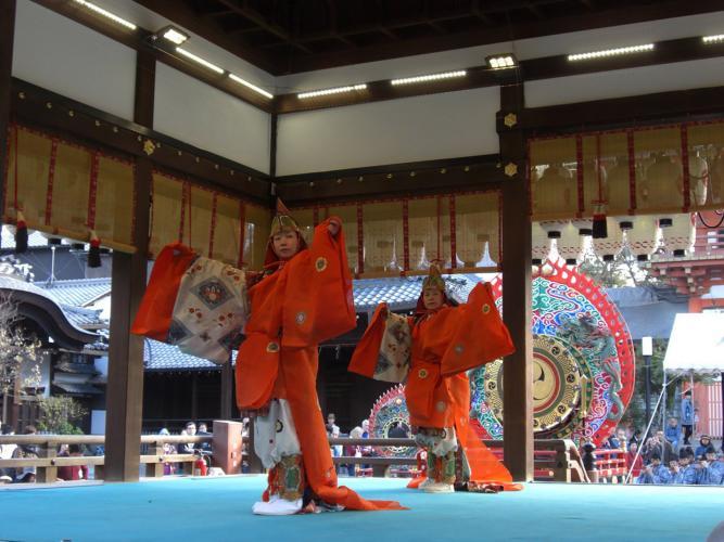 舞樂奉納(八坂神社)