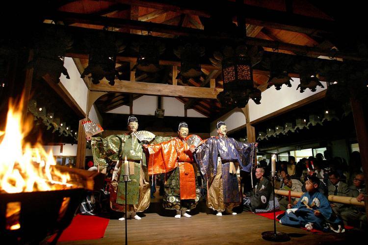 奈良豆比古神社翁舞