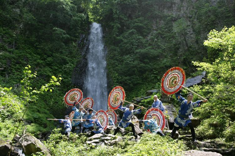 雨瀧瀑布開瀑祭