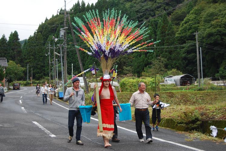 花籠祭(虫井神社例大祭)
