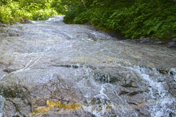 神之水溫泉瀑布