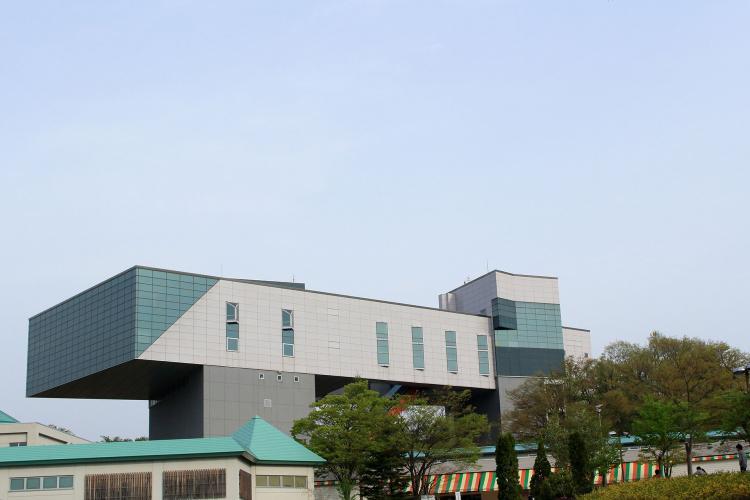 秋田縣立近代美術館
