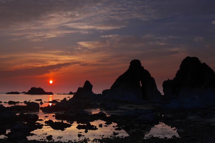 夫婦岩(佐渡島)