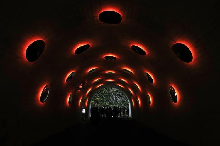 TUNNEL OF LIGHT(清津峽)