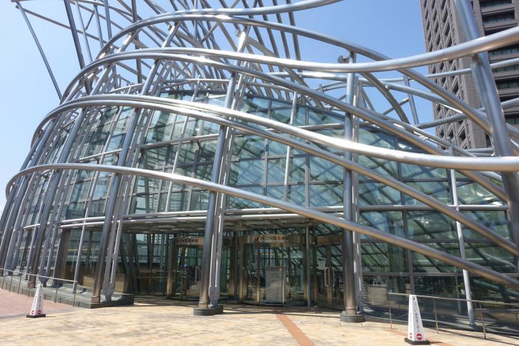 國立國際美術館