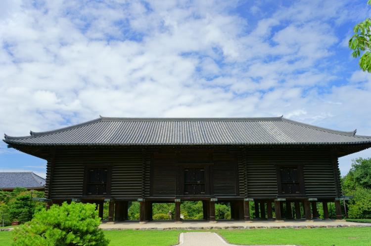 正倉院(奈良公園)