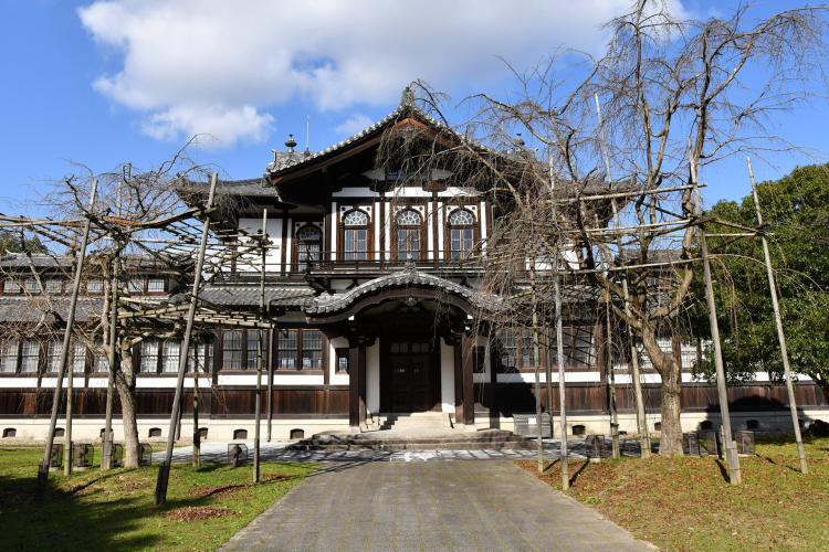 佛教美術資料研究中心(舊奈良縣物產陳列所)