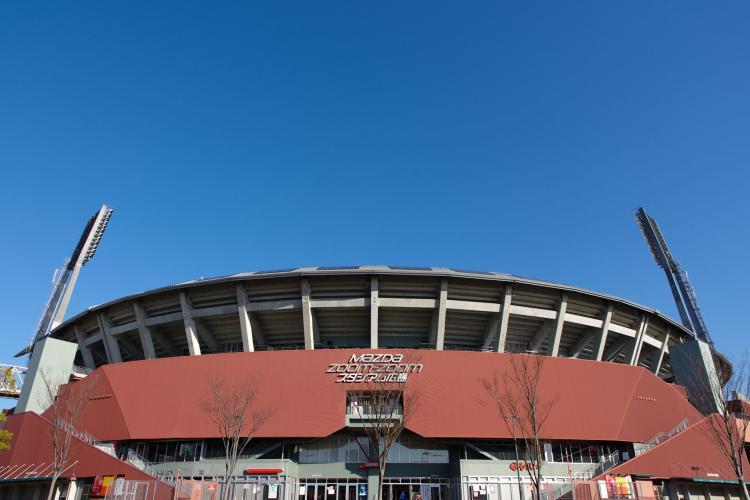 廣島市民球場(Mazda Zoom-Zoom 體育場)